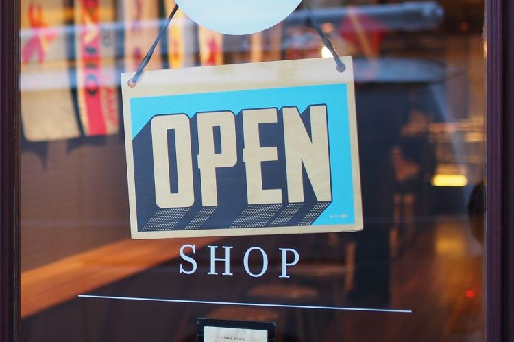 Open Shop sign - Pixabay License - https://pixabay.com/photo-2607121/